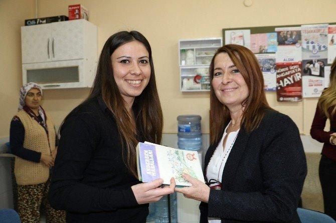 Akhisar'da Kitap Dağıtımı Tartışması