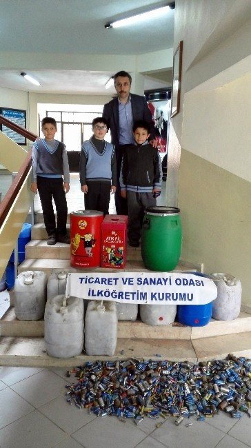 Öğrenciler Atık Pilleri Topluyor