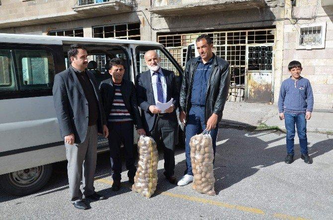 Nevşehir İl Müftülüğü' Nün Suriyeli Mültecilere Yardımları Devam Ediyor