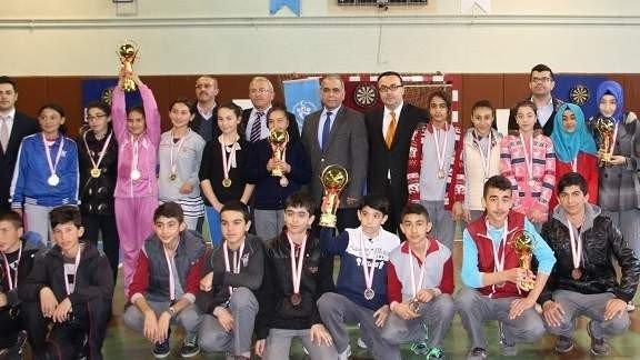 Gülşehir'de Okullar Arası Dart Şampiyonası Yapıldı