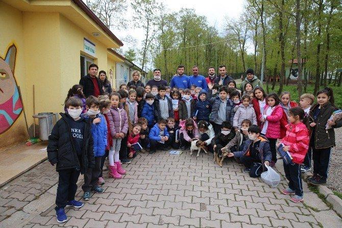 Özel Enka Okullarından Hayvan Barınağına Ziyaret