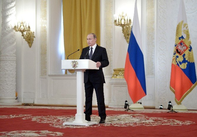 """Putin: """"Suriye'deki Operasyonlar Etkili Bir Eğitim Oldu"""""""