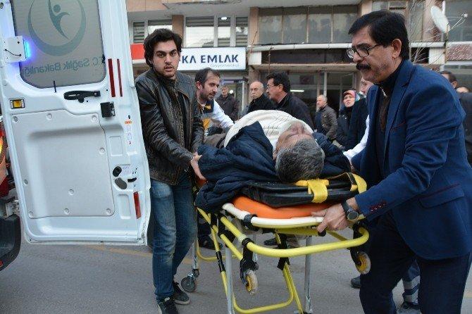 Direksiyon Başında Kalp Krizi Geçiren Sürücü Kaza Yaptı