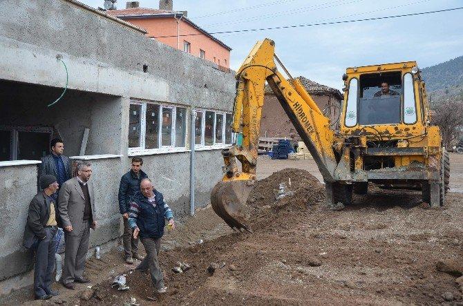 Sarıcakaya'da Yemekhane Yapımı Sürüyor