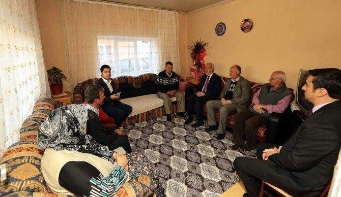Belediye Başkanı Kamil Saraçoğlu'ndan Şehit Ailesine Taziye Ziyareti