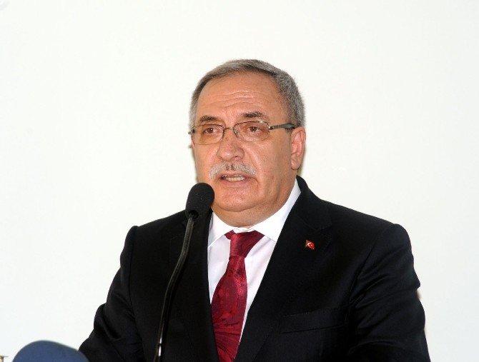 """Gazi Katrancı'ya """"Devlet Övünç Madalyası"""" Verildi"""