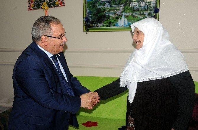 Bilecik Valisi Nayir'dan Şehit Ailelerine Ziyaret