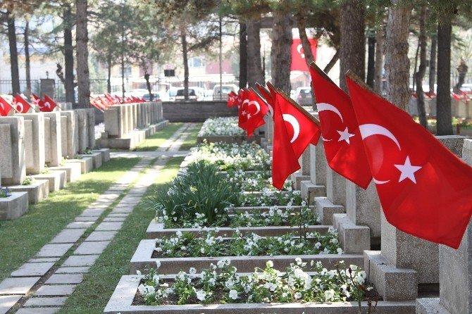 Eskişehir'de Her Yer Kırmızı Beyaz