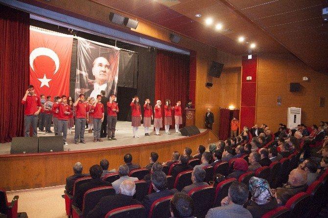Ahlat'ta 18 Mart Şehitleri Anma Günü