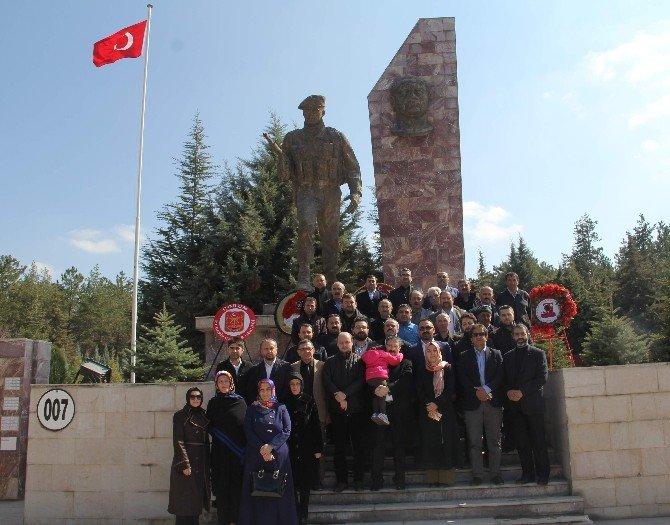 AK Parti'den Şehitlik Ziyareti
