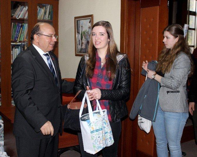 Alman Öğrenciler'den Vali Çiçek'e Ziyaret