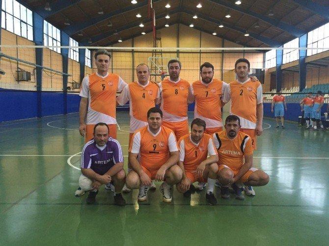 Bozüyük Belediyesi Kurumlar Arası Voleybol Turnuvası'nda İlk Hafta Maçları Sona Erdi