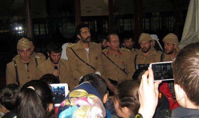 3 Boyutlu Canlı Asker Figürlü Çanakkale Sergisi'ni Ziyaret Ettiler