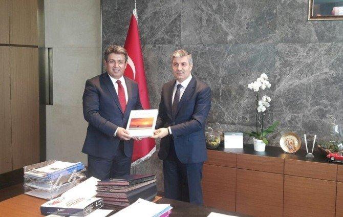 Başkan Aksoy'dan Küçükçekmece Belediyesi'ne Ziyaret