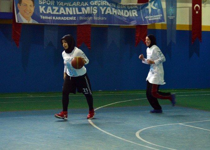 """Başörtülü Basketbolcu Kaljo: """"Her Ülkede Başörtülü Basketbol Oynama İzni Tanınmalı"""""""