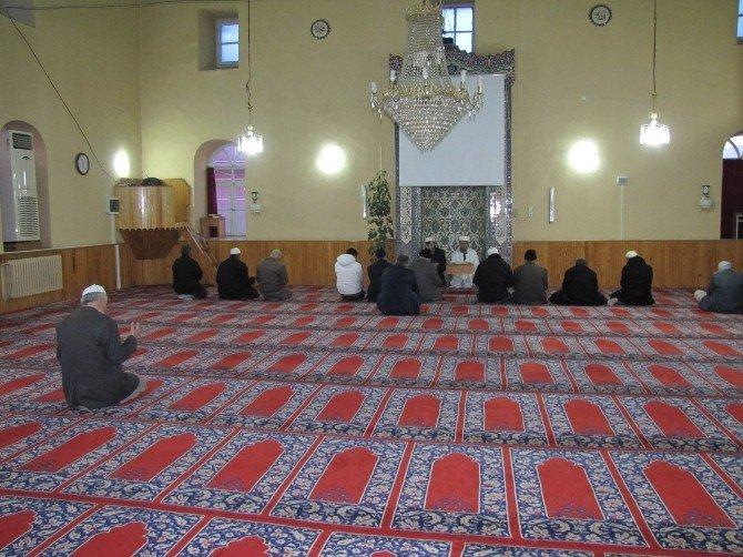Hisarcık'ta Çanakkale Şehitleri İçin Sabah Namazında Dua Edildi