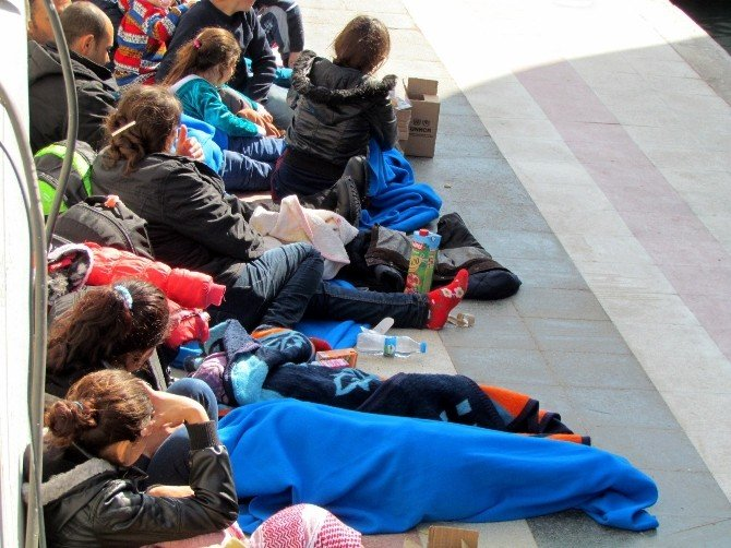 Çeşme'de 125 Sığınmacı Kurtarıldı