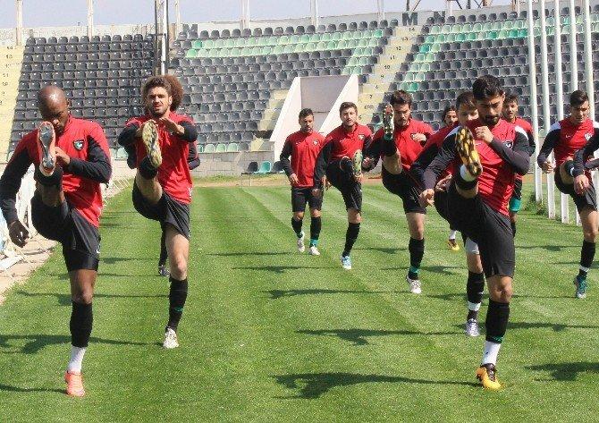 Denizlispor'da Oyuncular Galibiyet İçin Kenetlendi