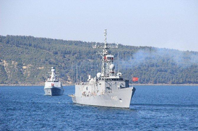 Deniz Kuvvetleri Gemileri Tören Geçişi Yaptı