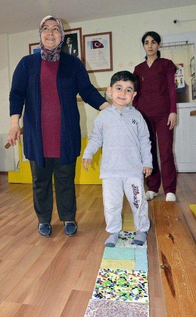 Beş Yaşındaki Mihraç Azmiyle Hayata Tutundu