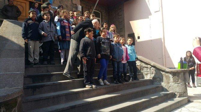 """27 Ağustos İlkokulunda """"Çanakkale Deniz Zaferi Ve Şehitleri Anma Günü"""" Etkinliği"""