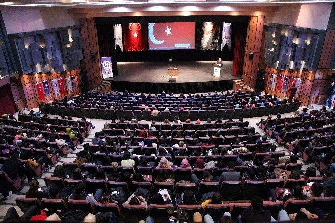 Prof Dr. Genç'ten Çanakkale Zaferi Konferansı