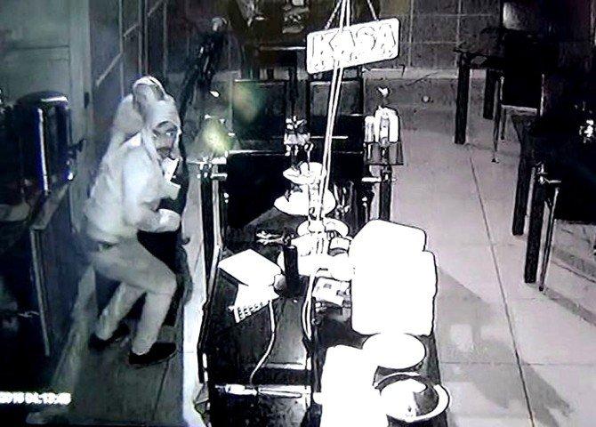Hırsızların Pişkinliği Pes Dedirtti