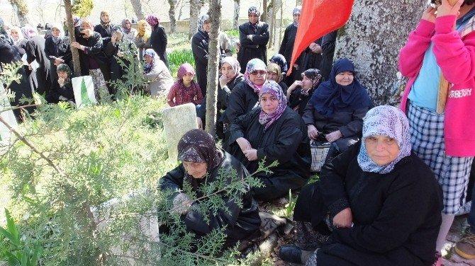 Çanakkale Gazisi Azman Çavuş Mezarı Başında Dualarla Anıldı
