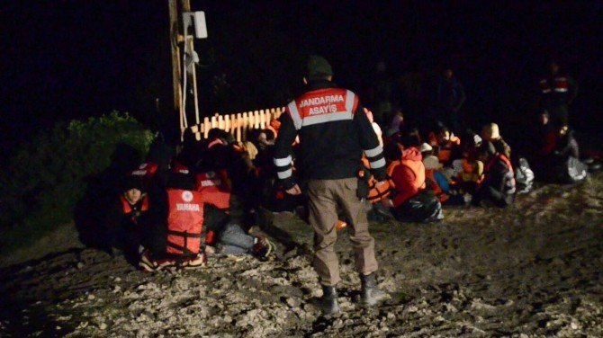 İzmir'de Bin 589 Sığınmacı Yakalandı