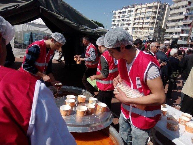 Kızılay Antalya Şubesi'nden Şehitler Haftası'nda Hoşaf Ve Ekmek