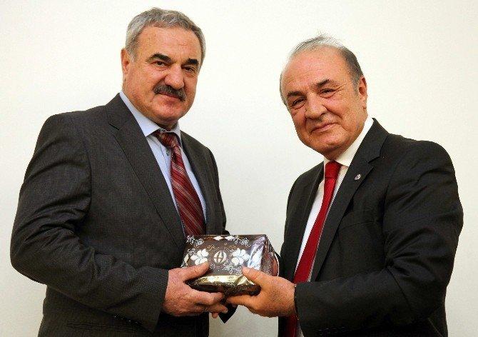 GAÜN'de İstiklal Marşı, Türk Dünyası Ve Milli Marşlar Paneli