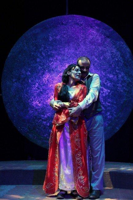 Adana Tiyatro Festivali 18. Kez Perdelerini Açıyor