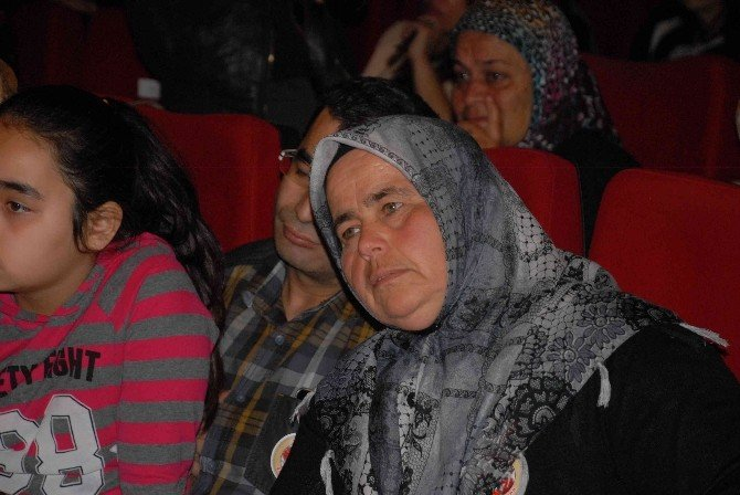 Fethiye'de Çanakkale'den Dağlıca'ya Oyunu Ağlattı