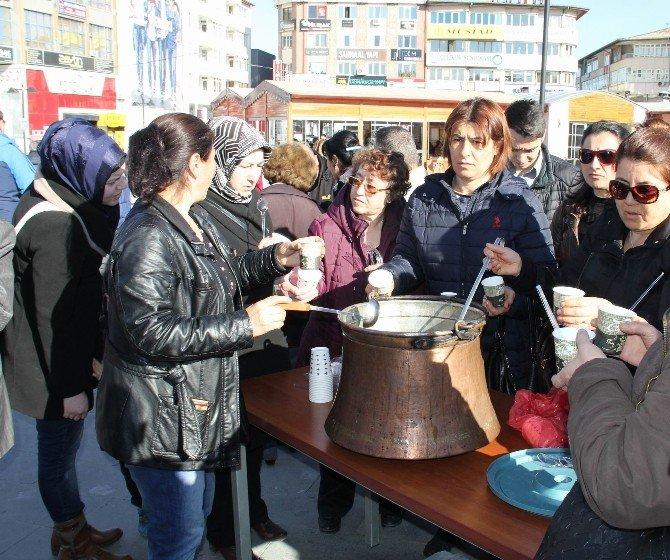 CHP, Sivas'ta 500 Kişilik Hoşaf Dağıttı