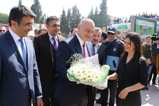 Başkan Ergün'e Sarıgöl'de Sıcak Karşılama
