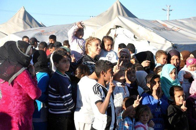 Gülben Ergen Çadır Kentte Mülteci Çocuklarla Buluştu