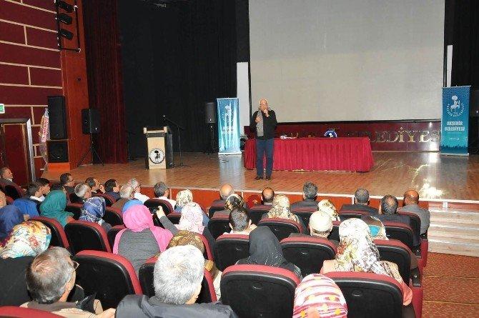 Akşehir'de Yavuz Bahadıroğlu'dan Konferans