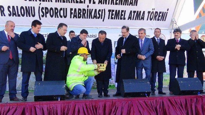 Yozgat Sporcu Fabrikası Ve İl Tipi Gençlik Merkezinin Temeli Atıldı