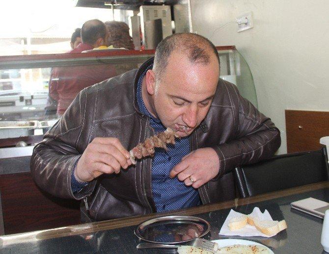 Kahvaltıda Güneydoğu'da Ciğer Kebabı Artvin'de Cağ Kebabı
