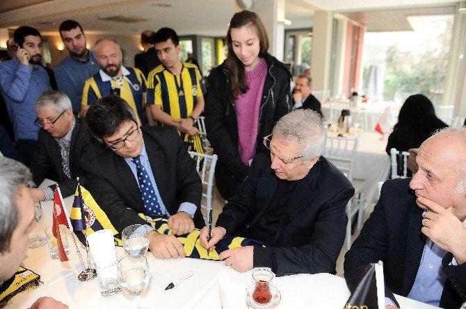 """Aziz Yıldırım: """"Galatasaray'ı Yenmeye Mecburuz"""""""