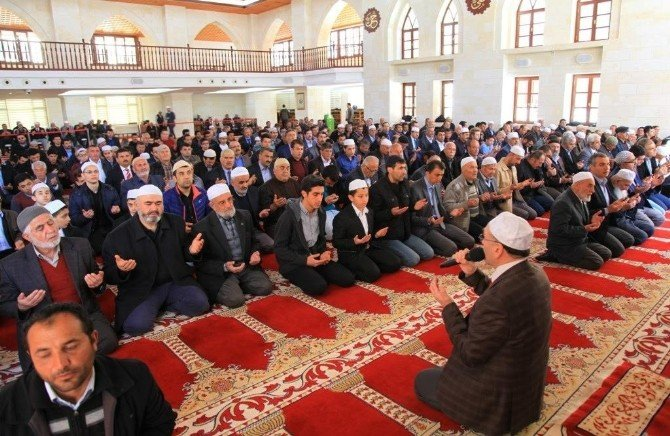 Muhsin Yazıcıoğlu Darende'de Dualarla Anıldı