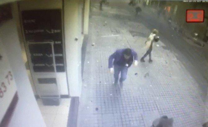 İstiklal Caddesi'ndeki Patlama Anı Kamerada