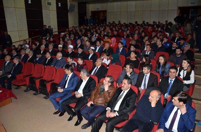 """Bitlis'te """"Çanakkale Destanı"""" Oyunu Sahnelendi"""
