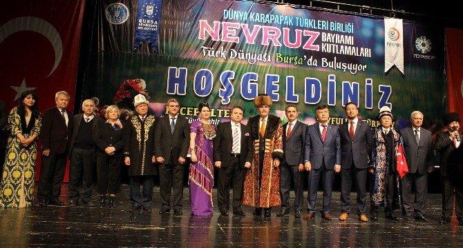 Dünya Türkleri Bursa'da Teröre Karşı Birleşti