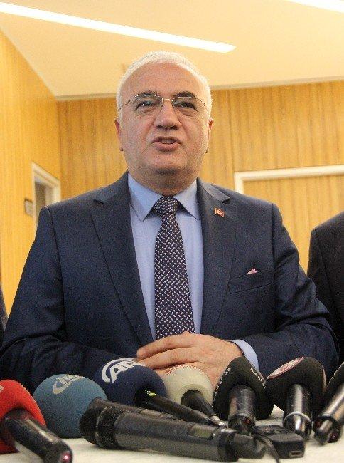 Ekonomi Bakanı Elitaş, Dokunulmazlıkların Kaldırılmasını Değerlendirdi