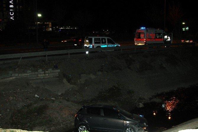 Otomobili Kanala Uçan Sürücü Kayıplara Karıştı