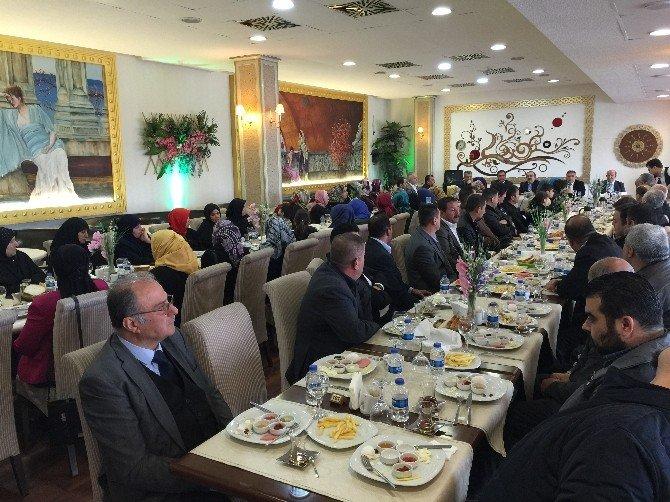 Göç Eden Türkmenler Kahvaltıda Biraraya Geldi