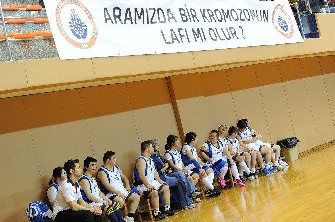 İstanbul Bbsk - Trabzonspor Maçının Yıldızı Down Sendromlu Çocuklar Oldu