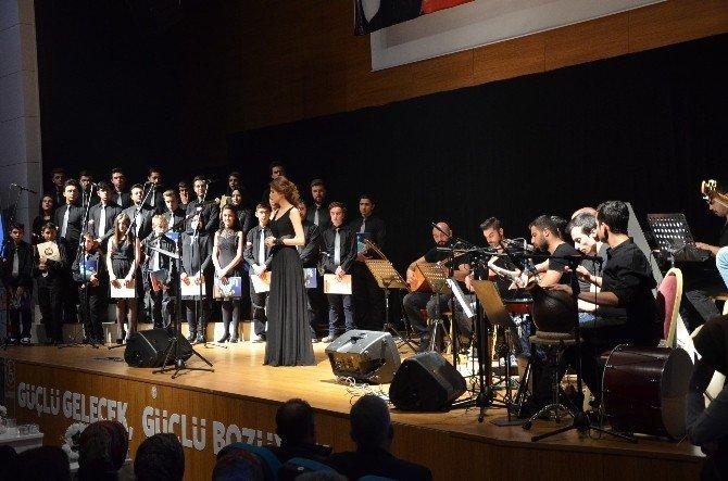 Bozüyük Belediyesi'nden Kahramanlık Türküleri Konseri