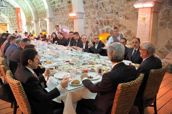 Büyükşehir-karayolları İşbirliği Ortak Hizmete Dönüşecek